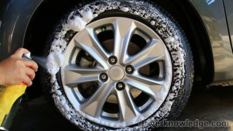 Clean Your Car with Household Items and obtain Striking Results!